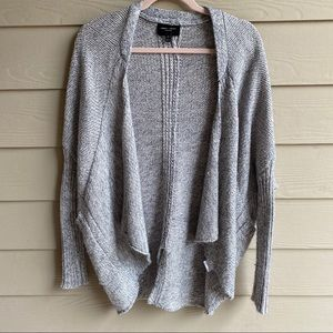 Romeo & Juliet Couture Gray Knit Cocoon Cardigan S